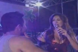 Público de Tilsa Lozano le presentó al doble del 'Loco' Vargas - Video