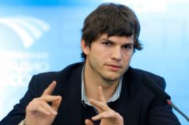 Ashton Kutcher recibe fuertes ingresos por invertir en Skype y Foursquare