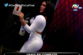 Combate: ¡Vania Bludau elevó la temperatura moviéndose al 'baile del totó' - VIDEO