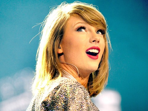 ¡Taylor Swift donó dinero a fan universitario!