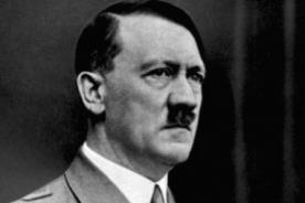 Subastarán libros firmados por Hitler