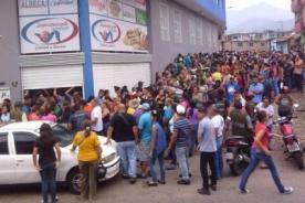 Venezuela: Así lucen las colas para conseguir alimentos - FOTO