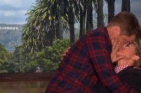 Ellen DeGeneres y Rob Lowe compartieron apasionado beso - VIDEO