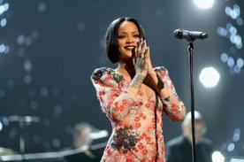 ¡Rihanna se viste de corazón!