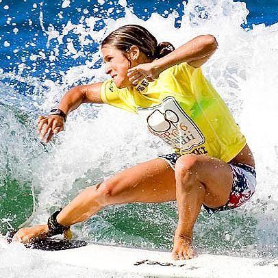ISA World Surfing Games 2010: Sofía Mulanovich pasa a tercera fase