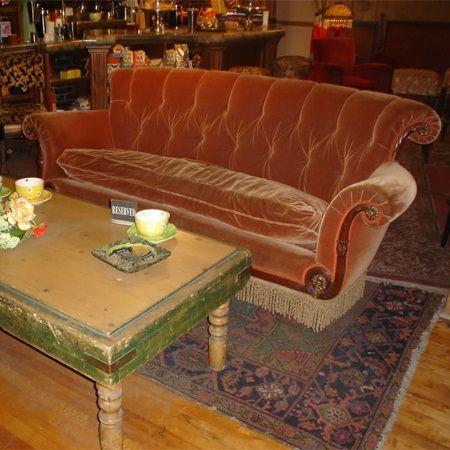 Subastan el famoso sofá de la serie Friends