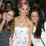 Katy Perry se divierte junto a sus fans en Rio de Janeiro
