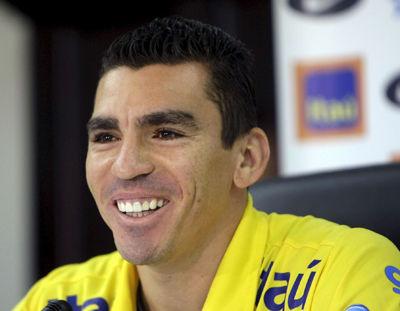 Lucio: Debemos tener más compromiso porque jugamos por Brasil