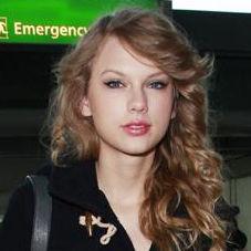 Afirman que Taylor Swift ve a Gwyneth Paltrow como una hermana mayor