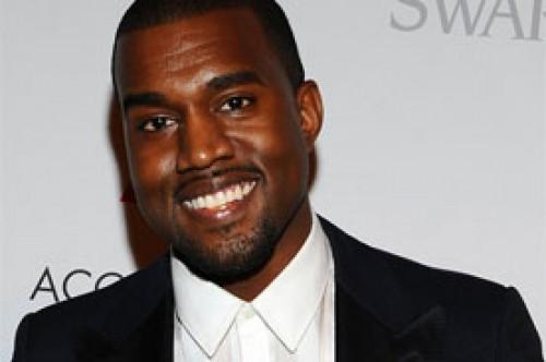 Kanye West: Surge video del cantante rapeando en sus inicios