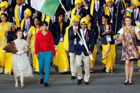 Olimpiadas 2012: Misteriosa mujer se cola en el desfile de los Juegos Olímpicos