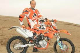 Video: Felipe Ríos destaca en motos tras etapa Pisco-Nazca del Dakar 2013