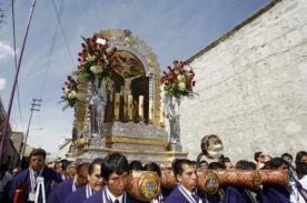 Señor de los Milagros inició su recorrido hasta la Catedral de Lima
