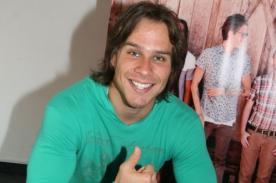 Miguel Arce se luce en románticas fotos con su actual novia [Fotos]