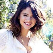 Selena Gomez siente que su música ha crecido con su nuevo álbum