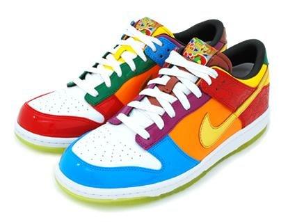 Nike presentó patente de zapatillas con amarre automático