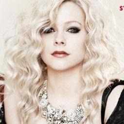 Avril Lavigne: Nunca me desvestiría como Britney Spears o Christina Aguilera
