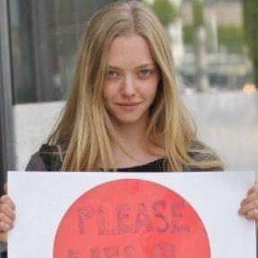 Amanda Seyfried también pide que ayuden a las víctimas de Japón