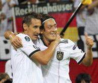 Selección alemana: Mesut Ozil afirmó que el objetivo es la Eurocopa 2012