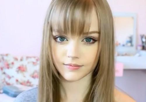 Video: Barbie reencarna en esta chica