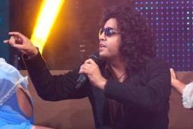 Yo soy, la revancha: Andrés Calamaro se apodera del set con 'Loco' - Video