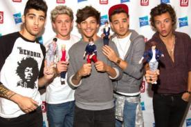 Muñecos One Direction son víctimas de pesadas burlas - Fotos
