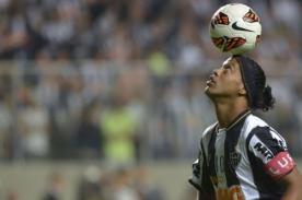 Ronaldinho: Hermano salió en su defensa después de polémica foto