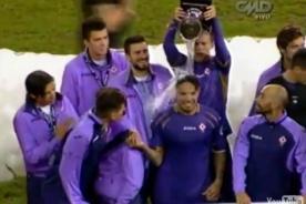 Copa Euroamericana 2014: Amigos del 'Loco' Vargas le juegan broma [Video]