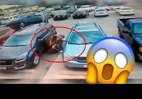 Brutal pelea en un estacionamiento por un espacio libre