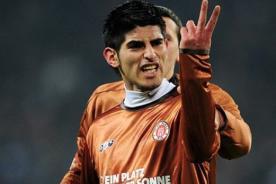 Bundesliga: Carlos Zambrano interesa al Eintracht Frankfurt