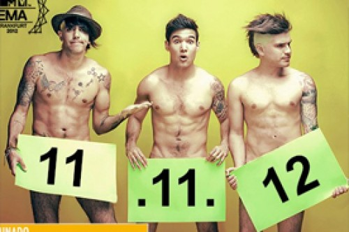 Integrantes de Adammo captan votos para los MTV EMA 2012 desnudándose