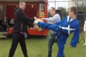 Video: Profesor hace la peor demostración de artes marciales