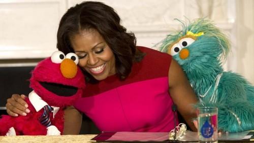 Michelle Obama y Elmo juntos en contra de la obesidad infantil -VIDEO