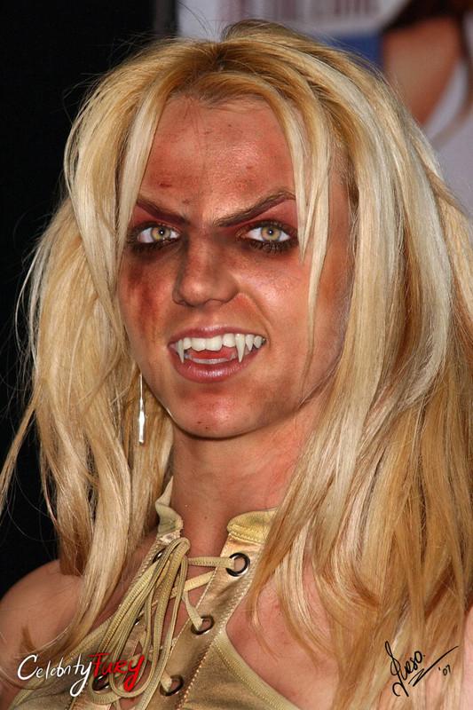Britney Spears enloquece repentinamente en un estacionamiento