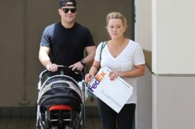 Hilary Duff paseó a su bebé por primera vez en público (Fotos)