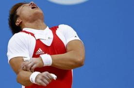 Olimpiadas 2012: Pesista coreano se fractura el codo en Londres - Video