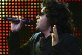 Yo Soy: Agresivo Andrés Calamaro interpreta 'Sin documentos' - Video