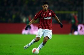 Eintracht Frankfurt confirmó que Carlos Zambrano interesa a Liverpool