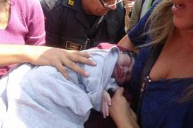 Bebé que nació en el metropolitano viajará gratis toda su vida