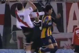 Video: Jonathan Fabbro aplica una patada voladora en el fútbol argentino