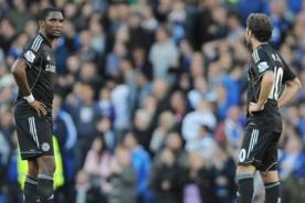 Video: Samuel Eto'o falló una clara chance de gol en su debut con Chelsea