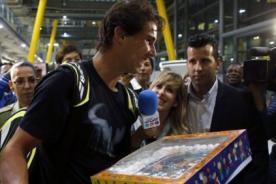 Nadal en Lima: Rafael Nadal recibió cálida bienvenida en el aeropuerto