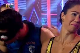 Esto Es Guerra: ¡Melissa Loza humilla feo a Guty Carrera y él huele su 'formol'! - FOTO