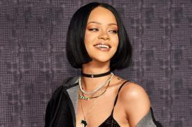 ¡Así reacciona Rihanna cuando le lanzan prenda intima!