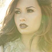 Unbroken de Demi Lovato tendría más ventas que el álbum de Selena Gomez
