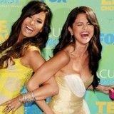 ¿Selena Gomez y Demi Lovato juntas para cantar villancicos?