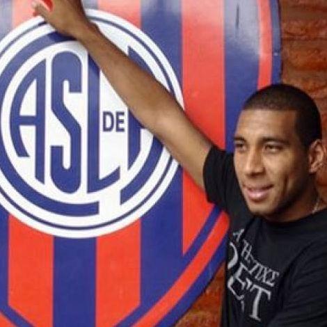 Fútbol argentino: Giancarlo Carmona dice que Markarián lo llamó para la selección