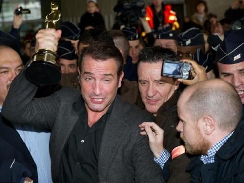 Actor ganador del Oscar causó alboroto a su llegada a Francia