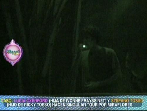 Video: Hijo de Ricky Tosso es ampayado fumando sospechoso 'cigarrito'