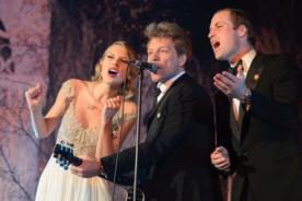 Taylor Swift cantó con el príncipe William y Jon Bon Jovi - Video